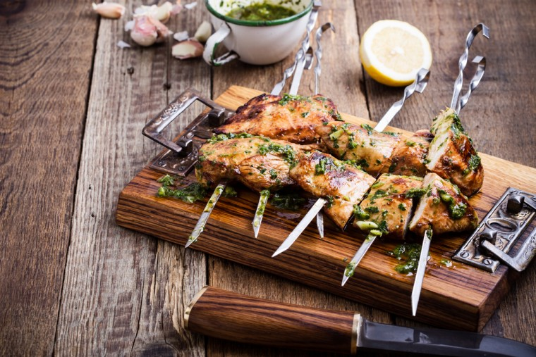 Gegerilde kipfilet met Chimichurri saus recept