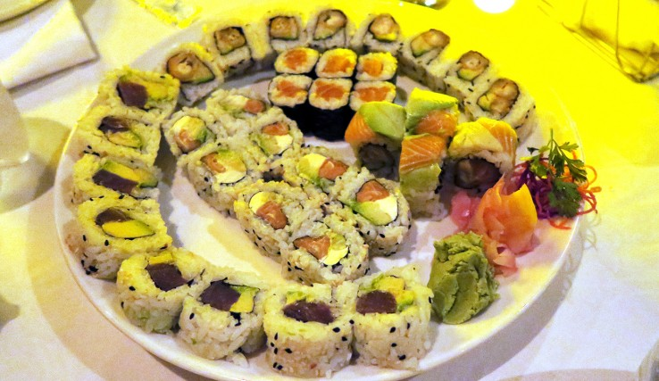 beluga_sushi