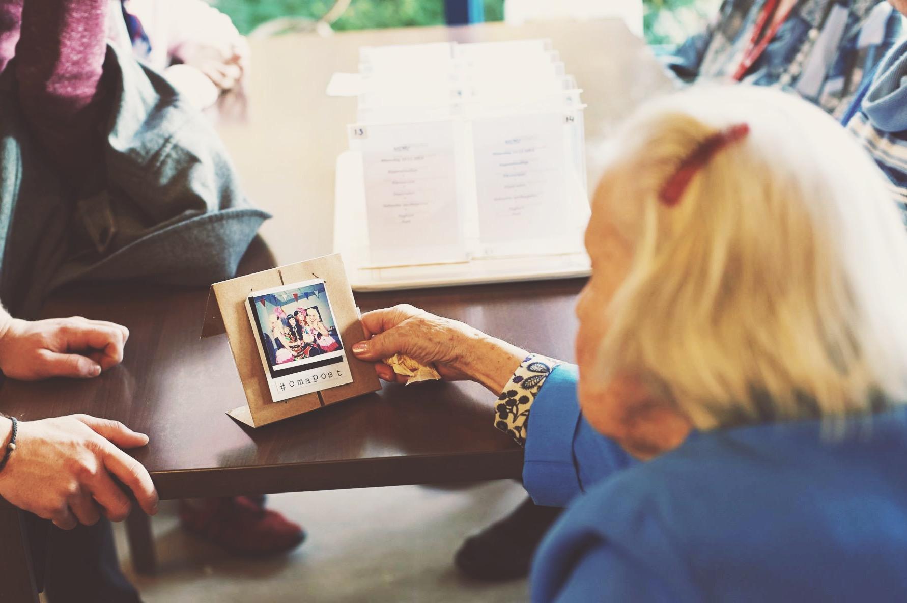 Deel je online leven met je offline oma - Moderne Hippies