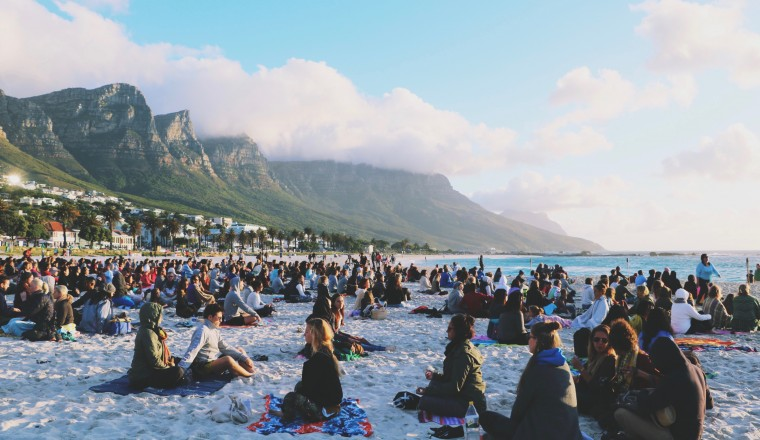 full-moon-meditation-camps-bay-cape-town-moderne-hippies-1
