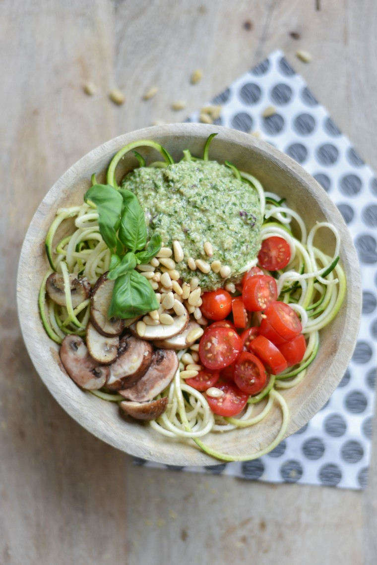 moderne hippies courgetti homemade vegan pesto 003