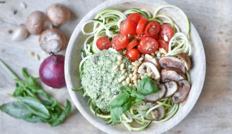 recept courgetti homemade vegan pesto cover-1