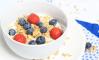 Yoghurt met muesli en rood fruit - CHICKSLOVEFOOD.COM