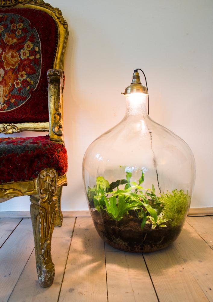 HOT: een plantlamp - INTERIOR JUNKIE