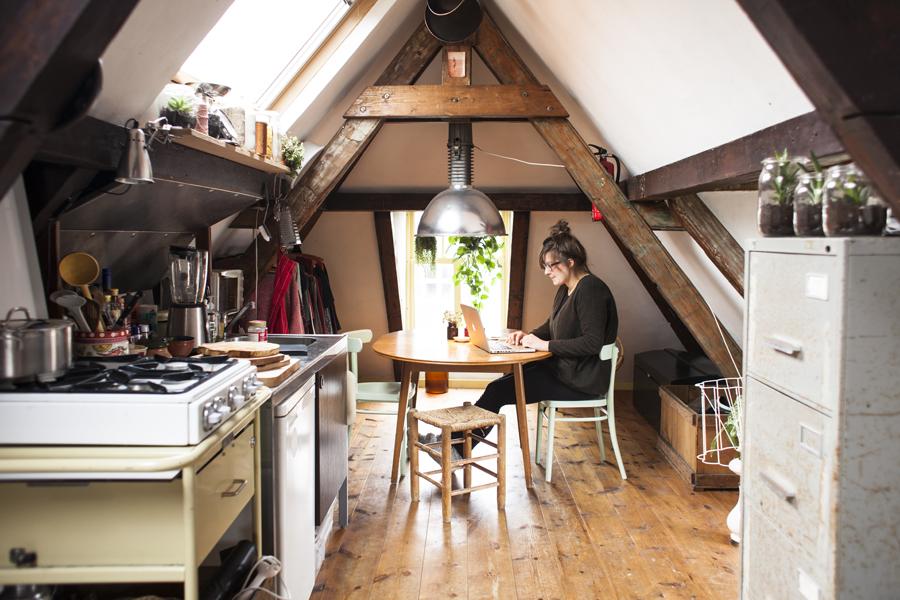 Binnenkijken op zolder interior junkie - Zolder stelt fotos aan ...