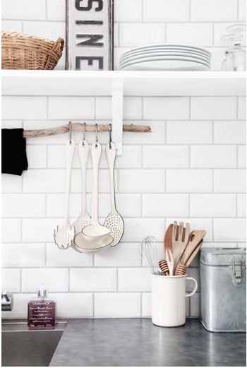 Krijtbord Achterwand Keuken : White Subway Tile Kitchen