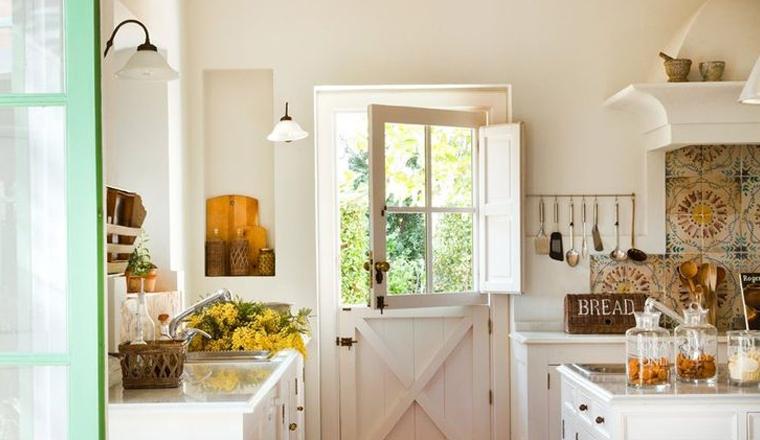 Witte Keuken Kastjes : ... keukens compleet met witte kastjes, veel ...