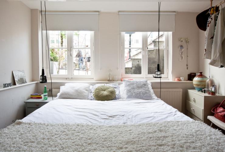 Binnenkijken bij maartje van barts boekje interior junkie - Plan slaapkamer kleedkamer ...
