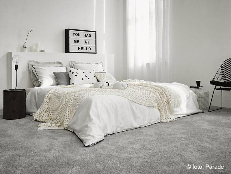 Brocante Slaapkamers : Brocante slaapkamer behang waarom een tapijtje ...