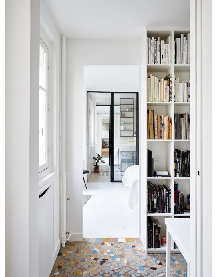 Parijs appartement vol zwart, wit en marmer   interior junkie
