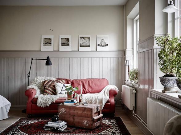 Woonkamer Inrichten Met Rode Bank : Ruim wonen op 34m2 - INTERIOR ...