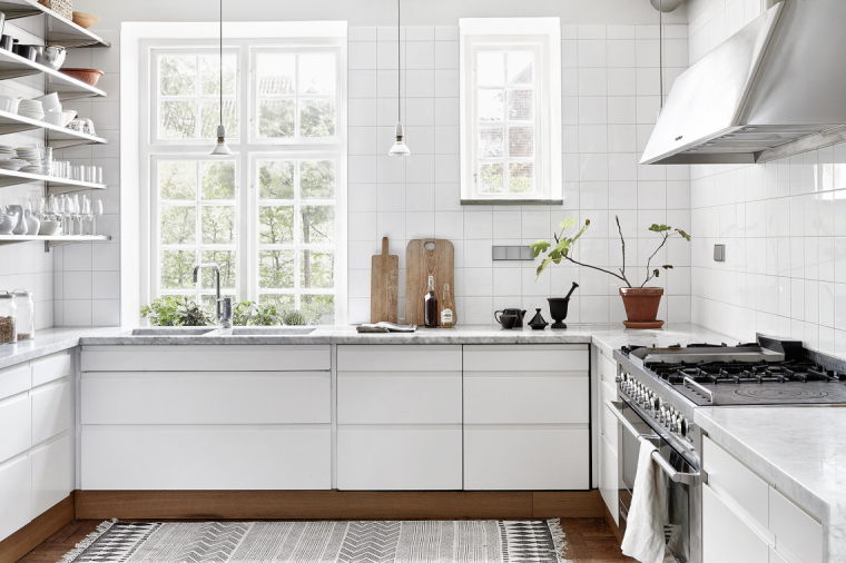 komt een witte keuken te staan dus bij ons zou een muur met witte ...