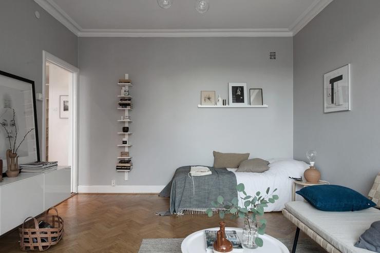 Ruim wonen op 39m2 met zachtgrijze muur interior junkie for Lichtgrijze muur