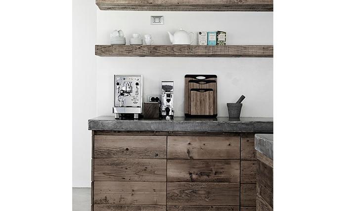 Mooi voor in de keuken: zwevende planken - INTERIOR JUNKIE