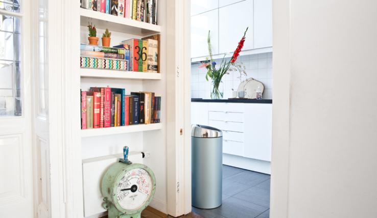 Geef kleur aan je keuken met deze prullenbakken interior junkie - Kleur aan loungeeetkamer ...