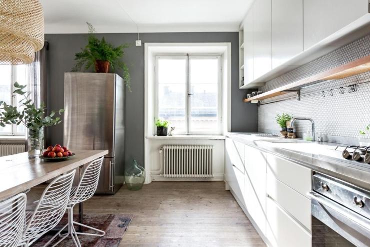 Warm Scandinavisch interieur mét kleur - INTERIOR JUNKIE