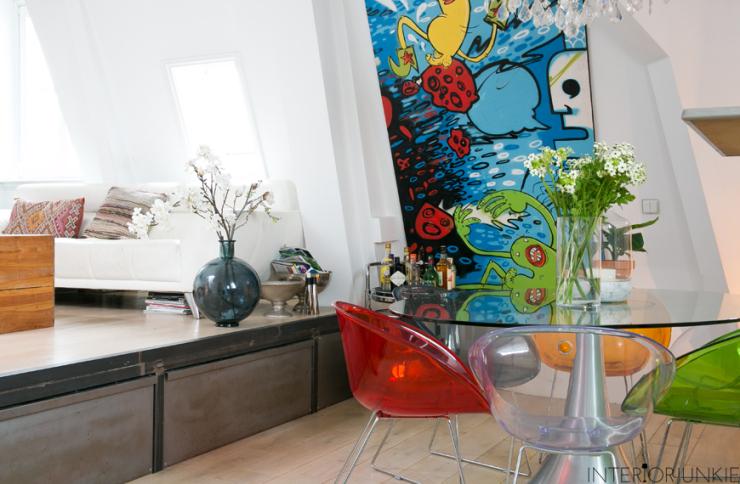 Huizentour in het huis van yas met kunst van het grofvuil interior junkie - Tafel josephine wereldje van het huis ...