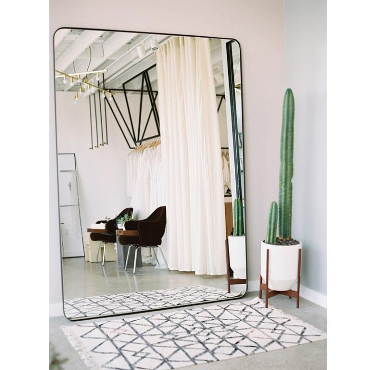 Grote slaapkamer spiegel interieur meubilair idee n - Grote spiegel voor de woonkamer ...