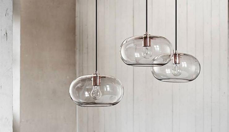 Dromen komen uit met deze glazen lamp interior junkie for Verlichting eetkamertafel