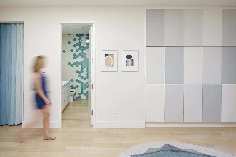 Modern-Family-Home-YamaMar-Design-12-1-Kindesign