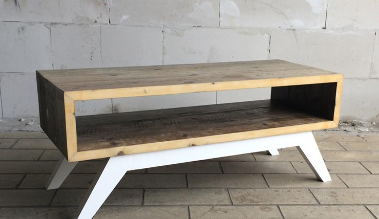 Handgemaakte salontafel met leuk detail