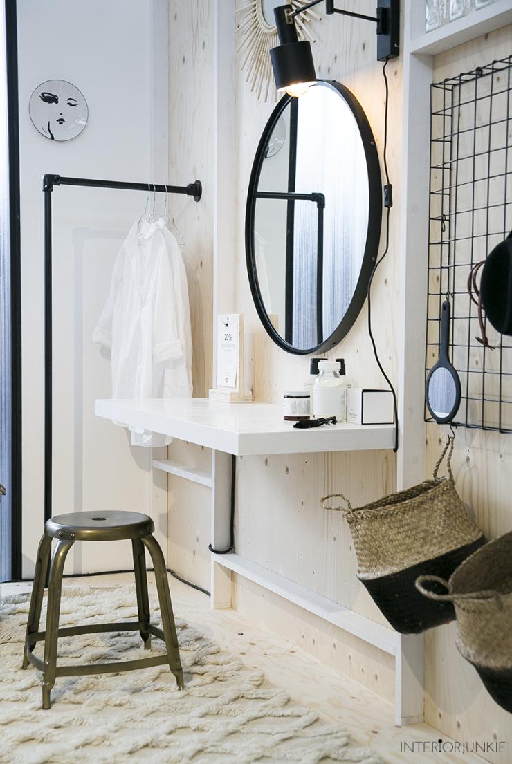 Zo style je een ronde spiegel in huis