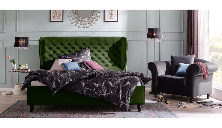 Heerlijk wakker worden in dit donkergroene fluwelen bed interior junkie - Hoofd fluwelen bed ...