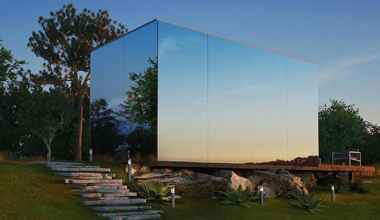 De gehele buitenkant van dit huis is bedekt met spiegels