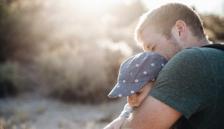 Ik wil graag een kind, maar mijn vriend is er steeds niet klaar voor. Wat moet ik doen?