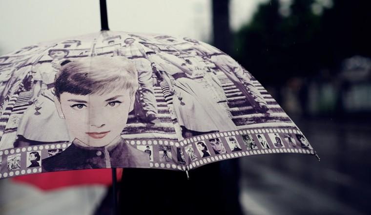 Hoe kan je er op een regenachtige dag toch stijlvol uitzien?