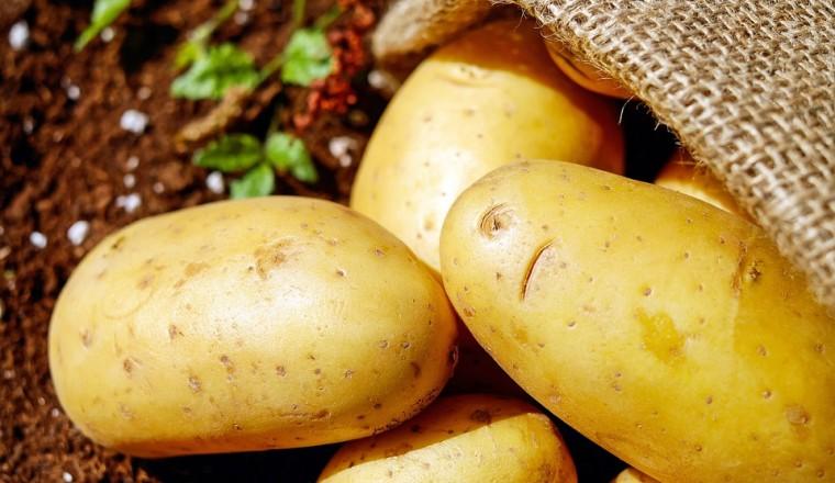 zo-gebruik-je-aardappelen-als-super-goedkoop-beautyproduct