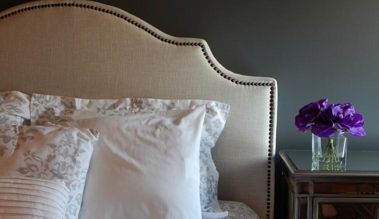 hoe-maak-je-de-slaapkamer-warm-en-gezellig-voor-dit-najaar