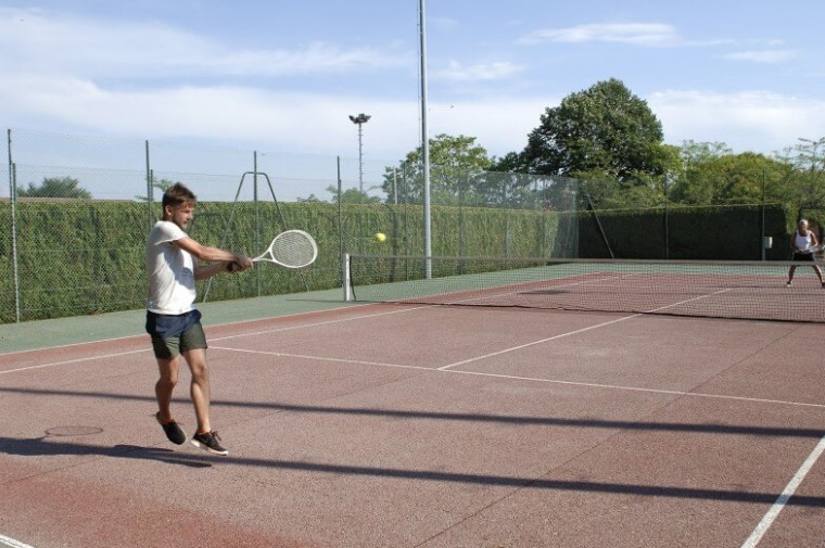 Village-des-Meuniers-Tennis