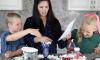 Ouders doen de 'Exacte Instructies Challenge' en het is echt heel grappig