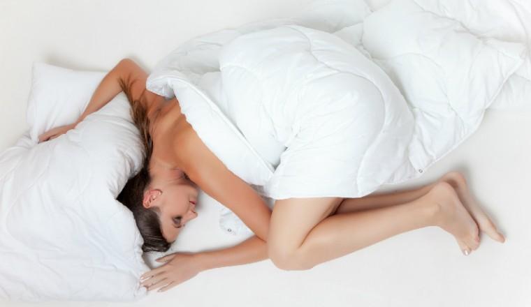 naakt-slapen-voordelen-naaktslapen