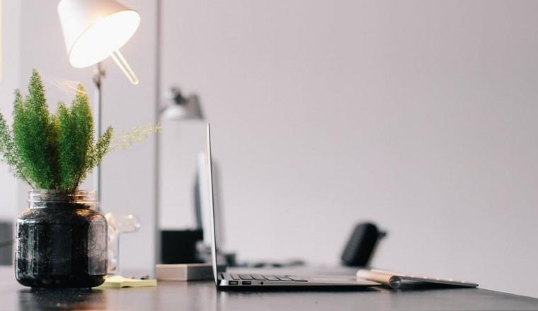 Hoe kan je een kantoor sfeervol en efficiënt verlichten?