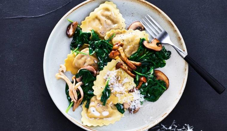 Recept Mezzelune met paddenstoelenroomsaus en spinazie
