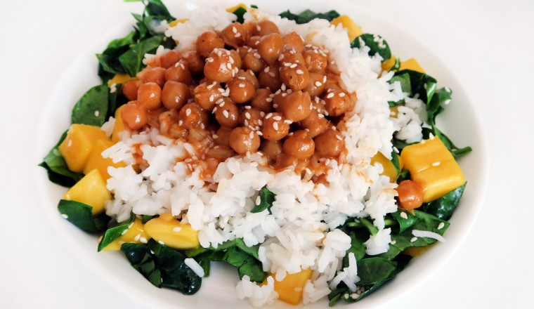 curry_kikkererwten_rijst_kokos_mango_spinazie