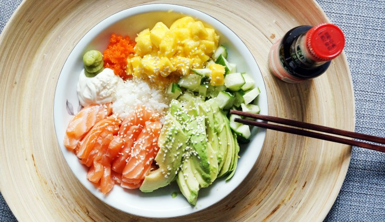 Nude Cooking show by A Naked Girl – Poke bowl with salmon
