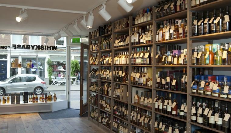 """Whiskybase Laphroaig 2011 'Same as 10K"""" (58.7%)"""