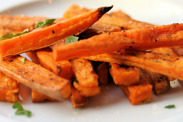 zoete-aardappel-friet_-tasteinspired.wordpress_com