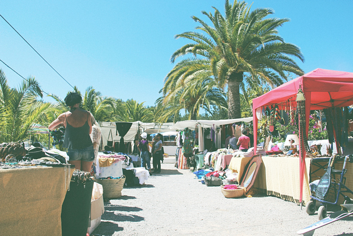 Cala Llenya Market3
