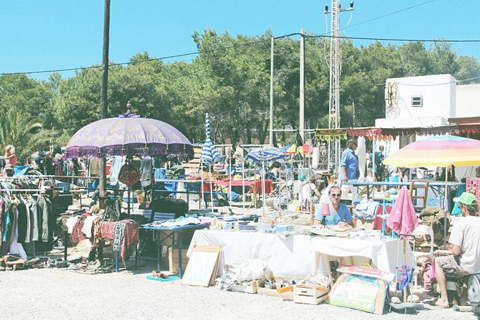 Cala Llenya Market4