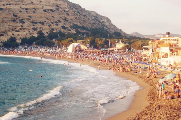 Griekenland-Matala-Beach-Festival-Contributor01