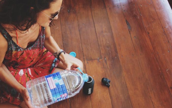 Verbeter de Wereld Plastic Flessen Water in het Buitenland4