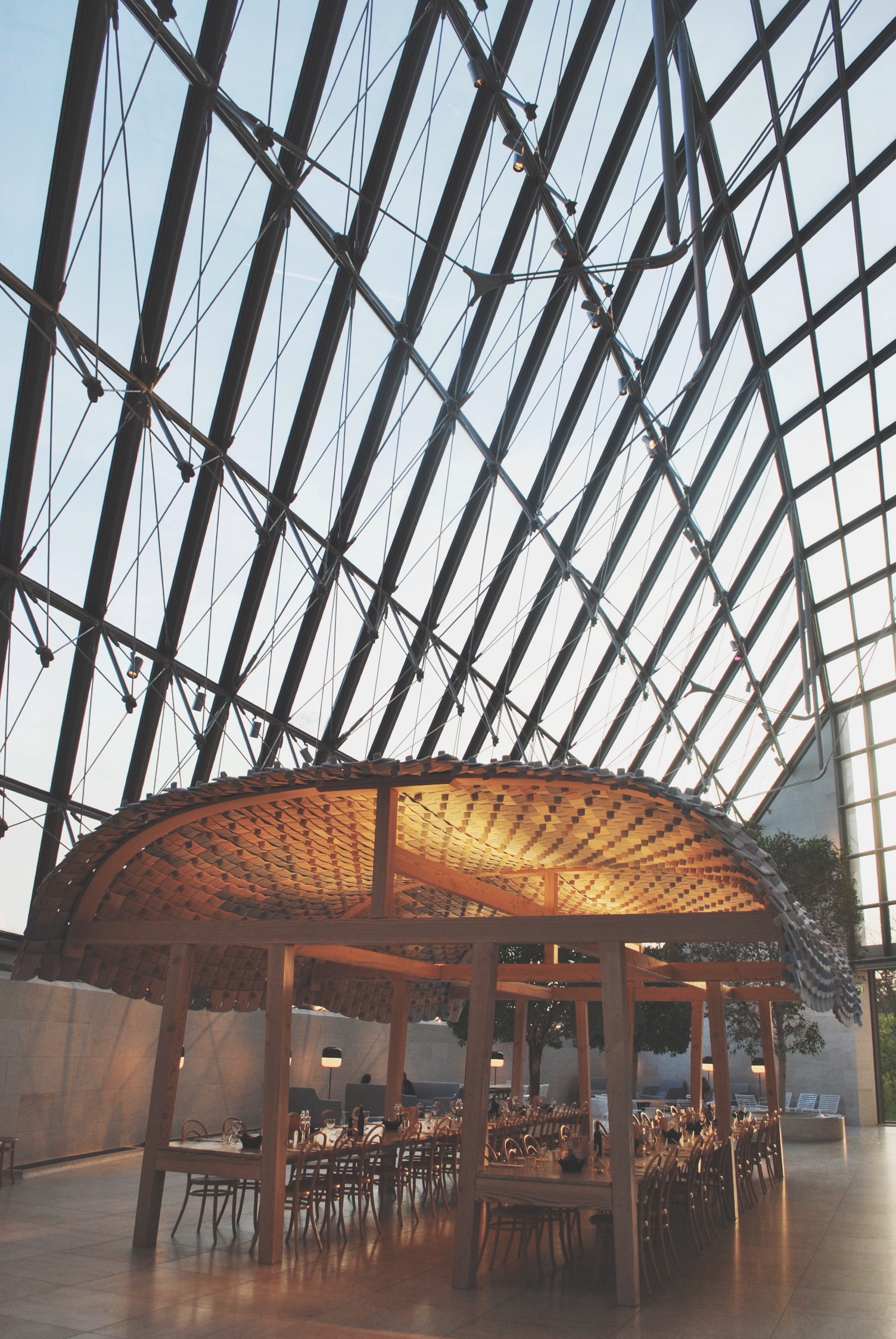 Luxemburg Mudams Friday Night Travel Hotspot - 7