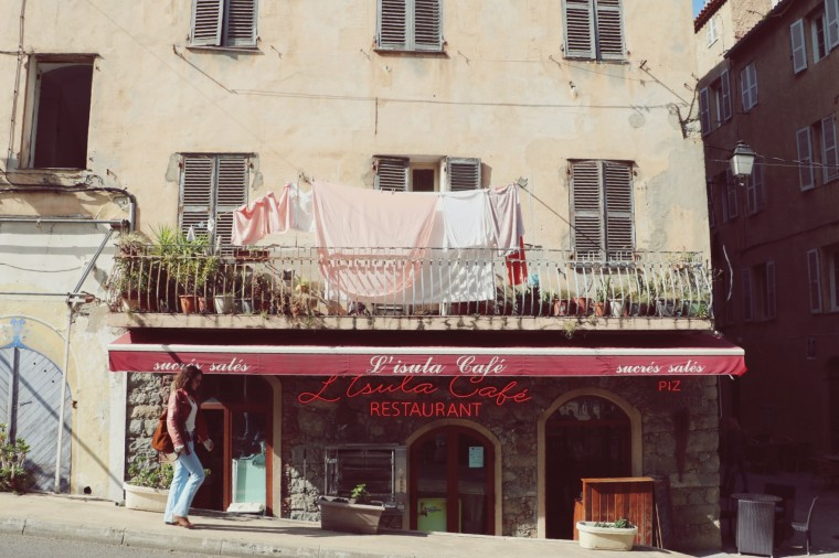 Moderne Hippies - Corsica - Lille Rousse