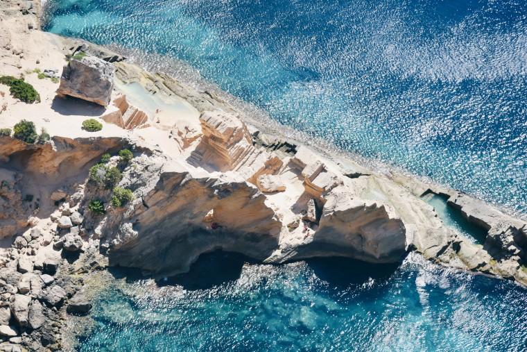 Atlantis, het mystieke strand van Ibiza (+ de geheime route