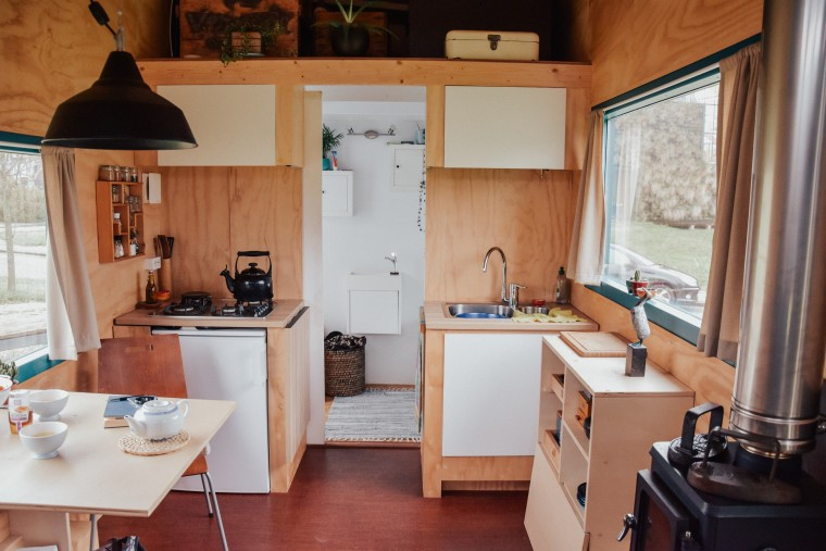 moderne hippies kijkje in tiny house-04a