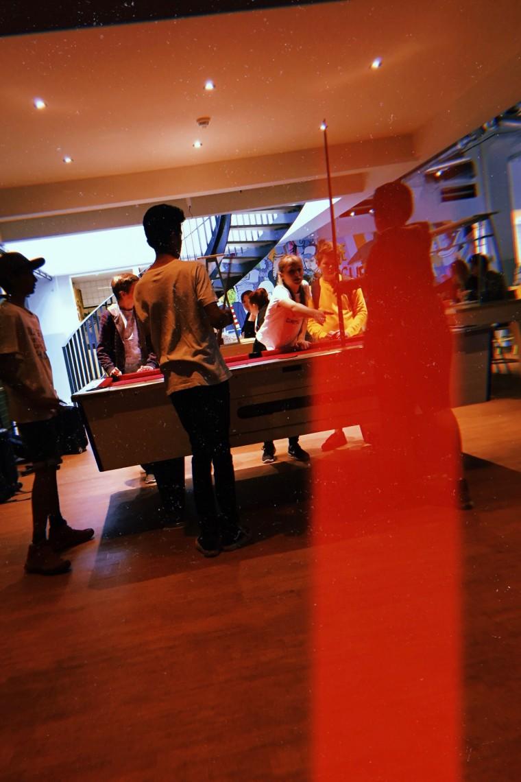 Moderne Hippies x Hostel Stayokay Den Haag - 2